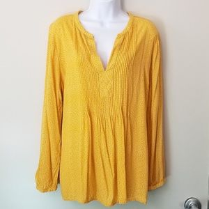 🌌4/$15 Old Navy Pleat Front Long Sleeved Blouse
